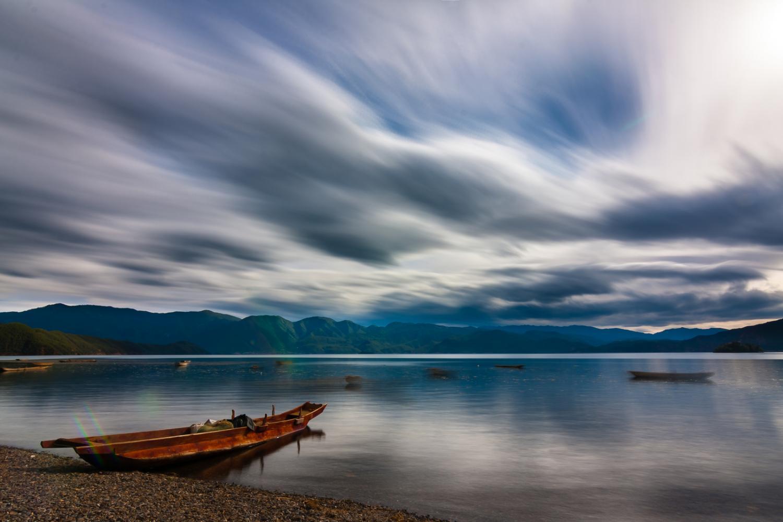 泸沽湖船.jpg
