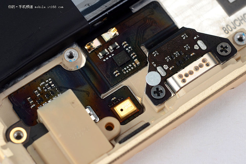 全新快充电路设计:魅族 pro 6 深度拆解